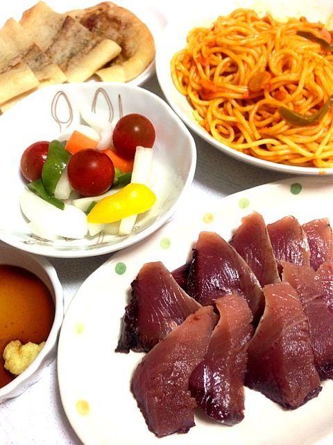 鰹お刺身 ナポリタン ピクルス ナン 買ったものばかりの手抜きご飯(°_°) - 10件のもぐもぐ - 鰹お刺身&ナポリタン by naho7