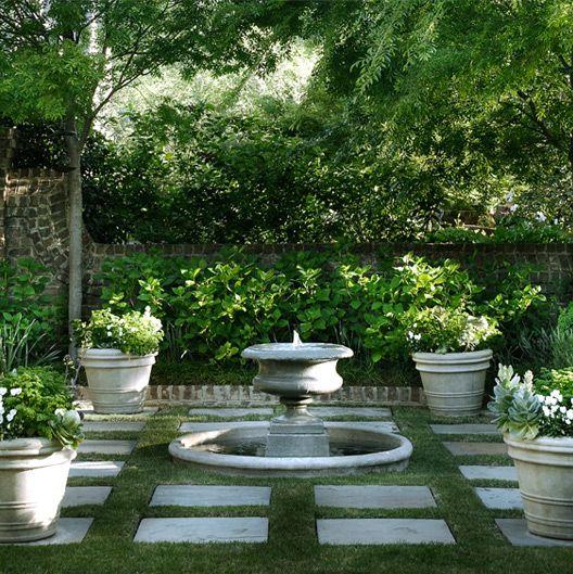 Hulsey Garden: Gardens Ideas, Hulsey Gardens, Design Chic, Water Features, Gardens Fountain, Formal Gardens, Small Gardens, Fountain Garden, Gardens Design