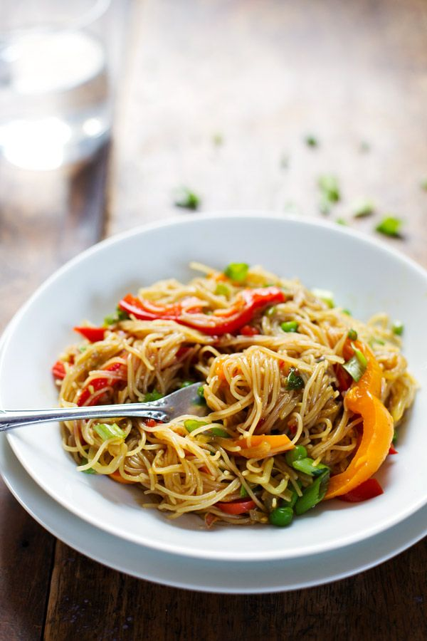 Stir Fried Singapore Noodles with a garlic ginger soy sauce. 250 calories of fresh delish. | pinchofyum.com