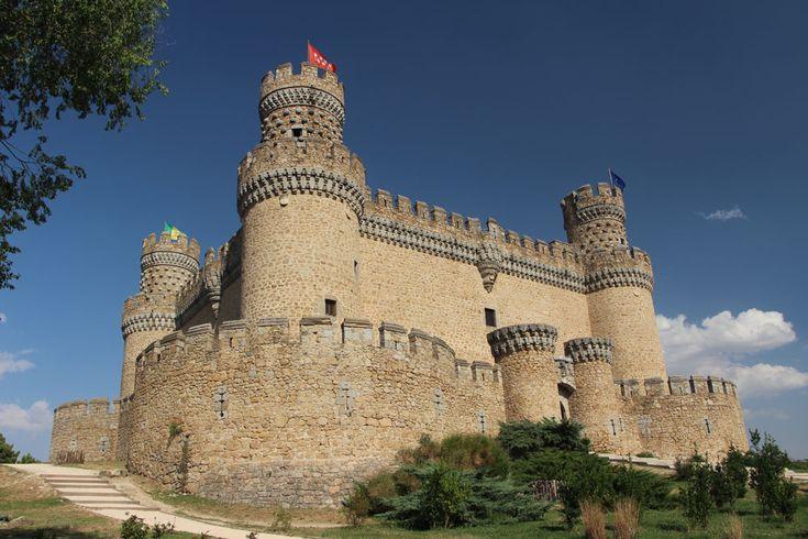 マドリード市内から気軽に行けるマンサナーレス・エル・レアル城