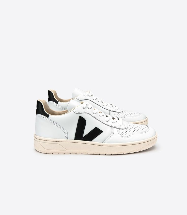 Veja V-10 sneaker in organic cotton, low chrome leather