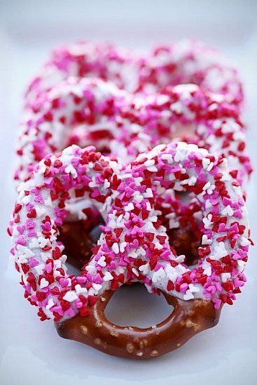 Valentine's Day Pretzels    Mini pretzels, candy melts, and heart-shaped sprinkles are the main ingredients for a Valentine's Day treat that's sweet and salty!