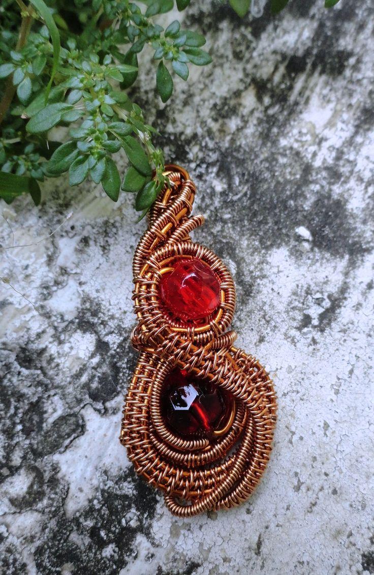 #wire_jewelry #stone_bead #copper_wire #pendant #glass_beads