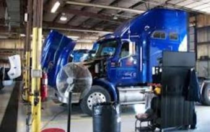 Need Semi-Truck Repair Services near Edinburg Mission McAllen TEXAS? Call  Mobile Mechanic Edinburg McAllen full-ser… | Truck repair, Semi trucks, Car repair  service
