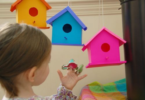 Printable Bird House Play Set comes from the Blog of INNER CHILD FUN. Decoration or play the bright and cheery colors will brighten your day. If you enjoyed this craft project be sure to let Valerie know. (Robin)
