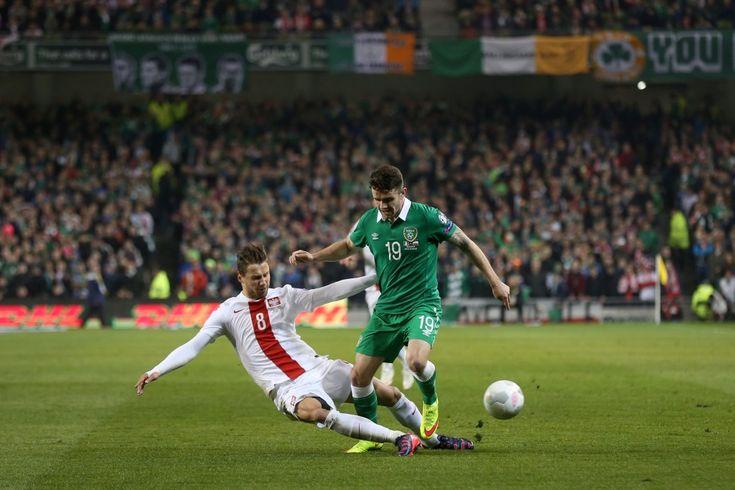 DUBLIN 29.03.2015 MECZ ELIMINACJE DO MISTRZOSTW EUROPY FRANCJA 2016 GRUPA D: IRLANDIA - POLSKA --- QUALIFICATION FOR UEFA EURO 2016 MATCH GROUP D: IRELAND - POLAND GRZEGORZ KRYCHOWIAK  ROBBIE BRADY FOT. PIOTR KUCZA/NEWSPIX.PL --- Newspix.pl *** Local Caption *** www.newspix.pl  mail us: info@newspix.pl call us: 0048 022 23 22 222 --- Polish Picture Agency by Ringier Axel Springer Poland