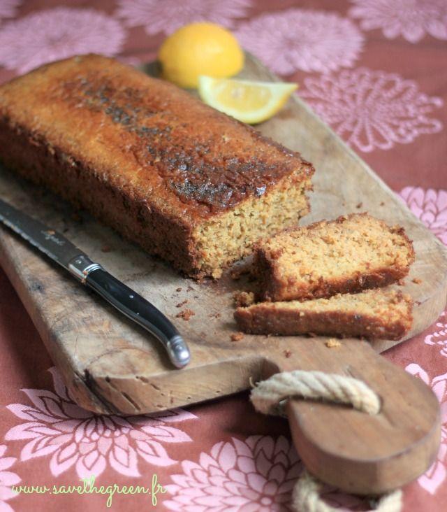 """Gâteau moelleux au son d'avoine et au citron. Une recette issue du livre """"Les secrets de la pâtisserie bio"""" de Marie Chioca. Un gâteau au citron fondant !!!"""