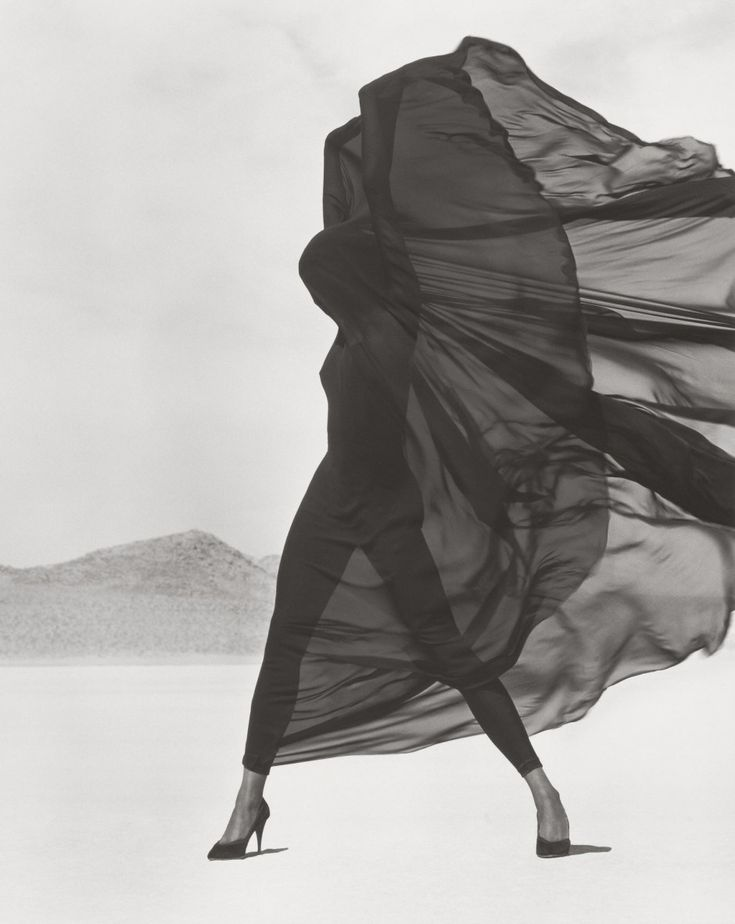 © Herb Ritts                                                                                                                                                                                 Plus