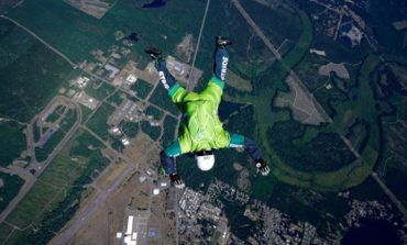 Video : Jump from 25000 feet, without parachute wing-suit