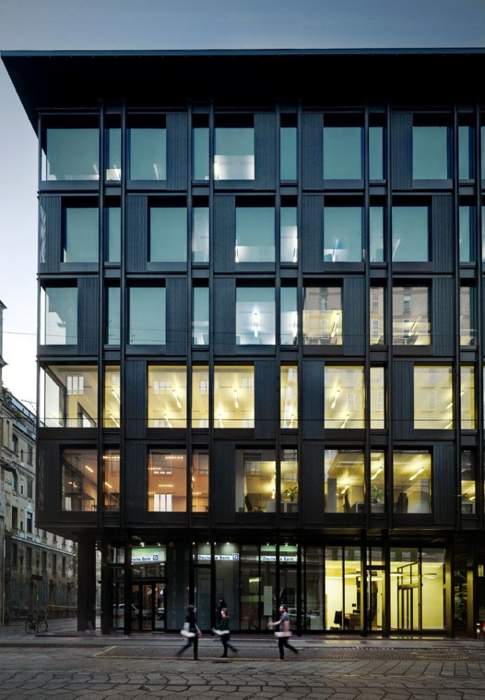 "Refurbishment of ""La Serenissima"" Office Building / Park Associati"