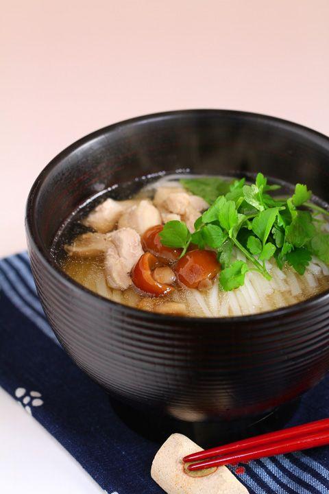 Inaniwa Udon, thin noodles from Akita, Japan 稲庭うどん