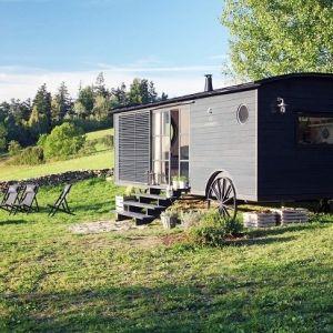 最近日本でも徐々に認知され、各地に増え始めているモバイルハウス。チェコのMiramari Designが製作し ...
