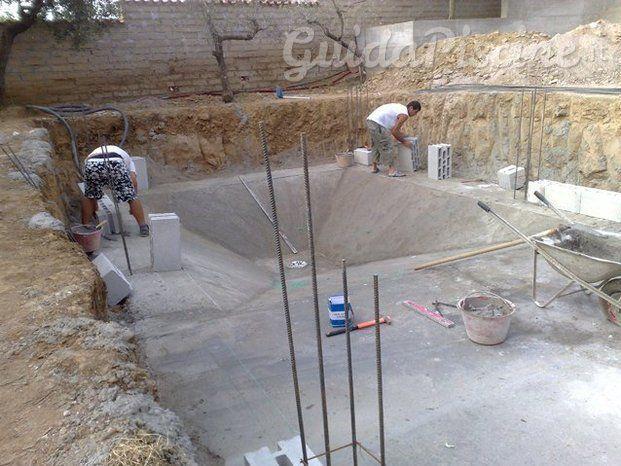 Immagini di Astra Piscine - GuidaPiscineit бассеины Pinterest - realiser une piscine en beton