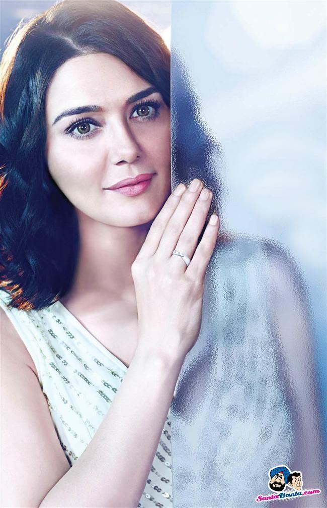 Preity Zinta (classy...)