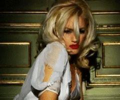 """Gwen Stefani """"Early Winter"""""""