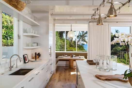 Cindy Crawford's Unexpected Side Hustle Just Made Her $15 Million  #refinery29  http://www.refinery29.com/2015/05/87863/cindy-crawford-selling-malibu-home-pictures#slide-4  A breakfast nook with a side of ocean views.