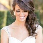 Acconciatura sposa con capelli lunghi mossi