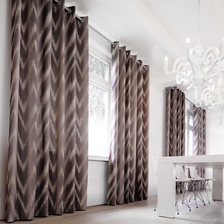 Yet another contemporary and natural setting created by the linen interior fabrics of Maroa collection by Kobe #interiors  #linen #decoration #curtains #upholstery #fabric #contemporary #country #gordijnen #meubelstoffen #wooninrichting