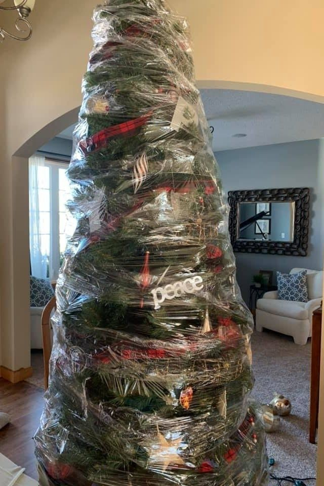 Omg You Are Going To Wish You Saw This Mom S Hack Before Taking Down Your Christmas Tree Christmas Tree Storage Christmas Tree Inspiration Large Christmas Tree