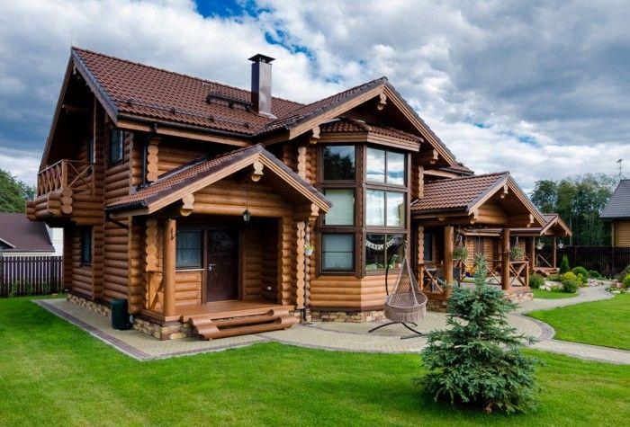 Если вы решили строить дом из бревна то вам необходимо знать из какой древесины лучше строит и какому застройщику следует обратится.