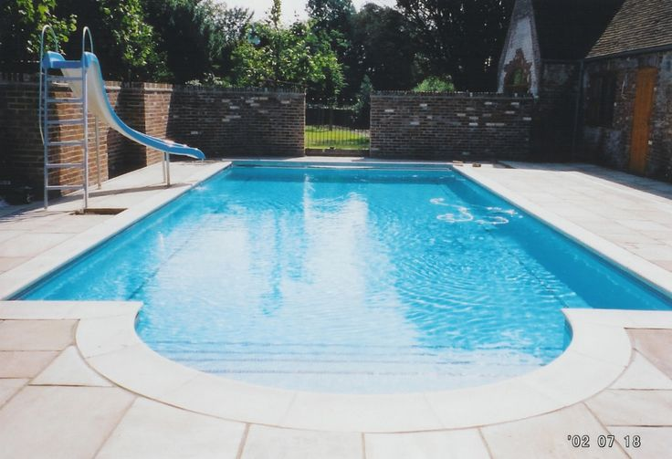 Outdoor swimming pool by Guncast