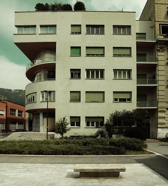 Novocomun, Como