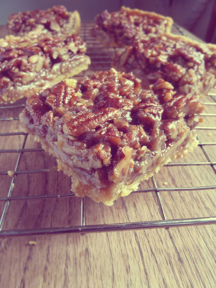 Maple pecan bars | ~COOKIES~BARS~soft,chewy,crunchy... | Pinterest