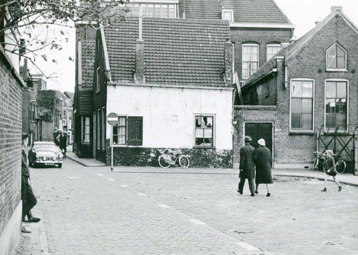 Zomerstraat de foto is genomen ter hoogte van de Prins Hendrikstraat