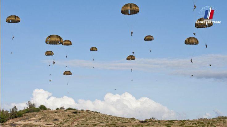 L'armée de Terre recrute 10 000 françaises et français de 17 à 29 ans. Que vous soyez sans diplôme ou titulaire d'un Bac+5, l'armée de Terre vous propose un emploi.