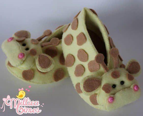 Como hacer unas pantuflas para bebe con moldes