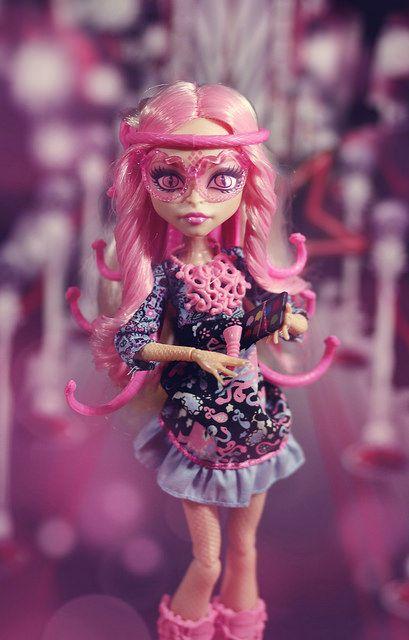 картинки куклы монстер хай вайперин куклы суперчистотела позволяет