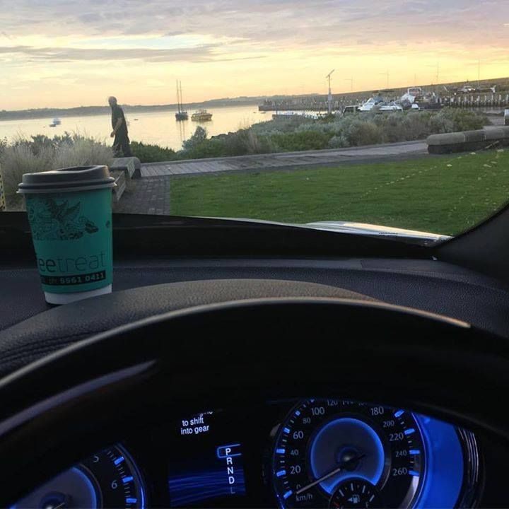 This mornings office. It's email catch up time! #warrnambool #coffee3280 #warrnamboolbreakwater #earlybird