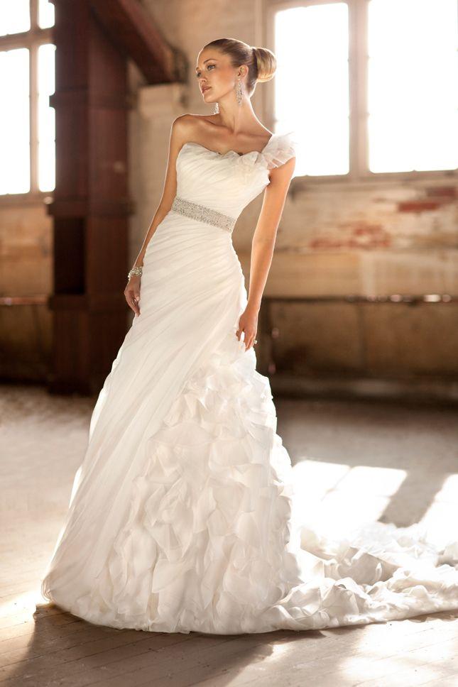 Essence Of Australia 2012 + My Dress Of The Week - Belle The Magazine