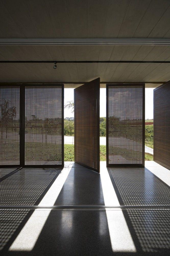 Alphaville - Aum Arquitetos © Maíra Acayaba