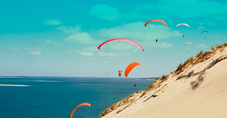 Dune du Pilat, located in the Arachon Bay (60km of Bordeaux), is the tallest sand dune in Europe! Book your ticket to Bordeaux from €69 return >> http://www.brusselsairlines.com/en-be/destinations/france/bordeaux.aspx