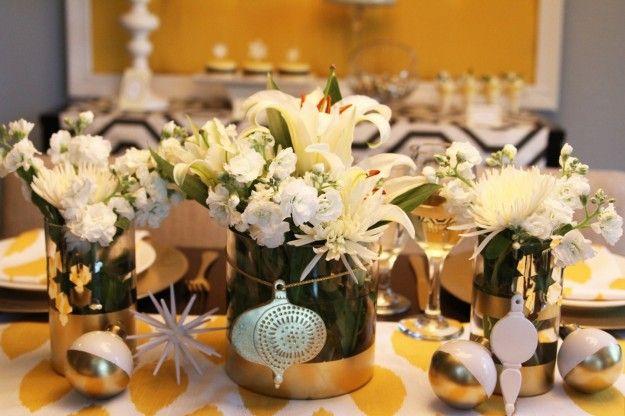 Centro tavola natalizio fai da te con fiori freschi