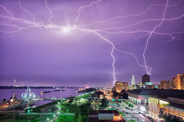Tuesday's Lightning Storm (Baton Rouge, LA) by frank3.0, via Flickr.  (thanks Frank, cool sky!)