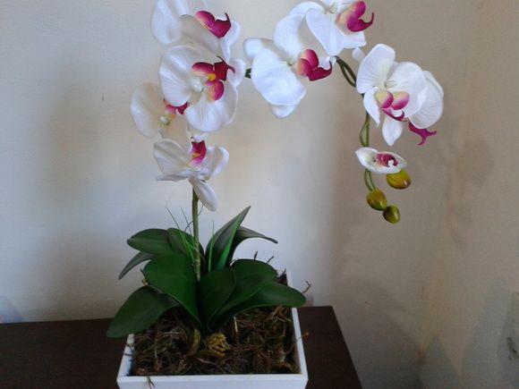 Arranjo - Orquídea Branca e Roxo   Juju Flores   Elo7