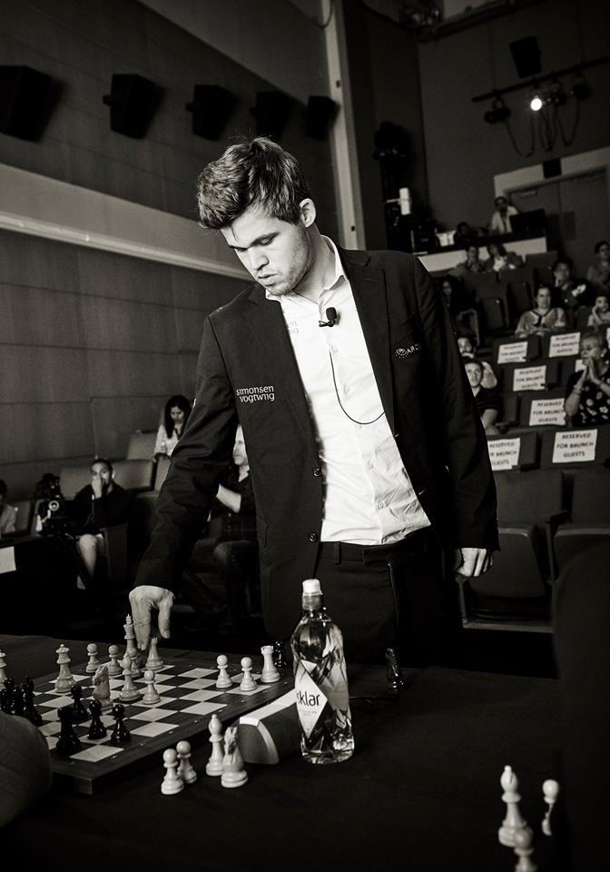 Play Live Challenge 2016 - Magnus Carlsen