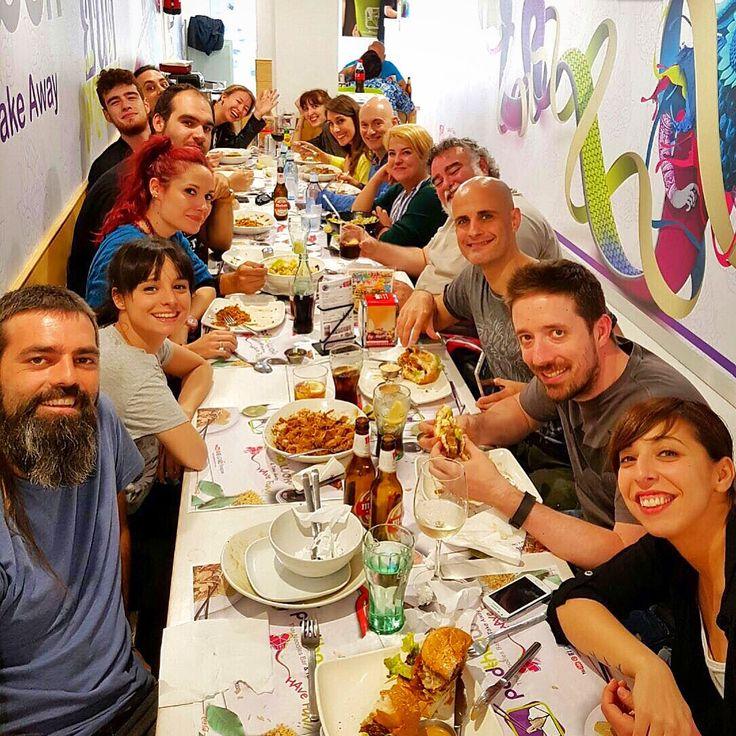 En #PadThaiWok #Madrid #Malasaña, la #final de la #champions y la celebración por la #undecima  del @realmadrid, nos ha traído a un buen número de amig@s #HaveFun & #BeDifferent #GrupitoAmigos #amigos #Padthaiwokfans #Thaifans #thaifoodforcelebrations #celebrandoenpadthaiwok