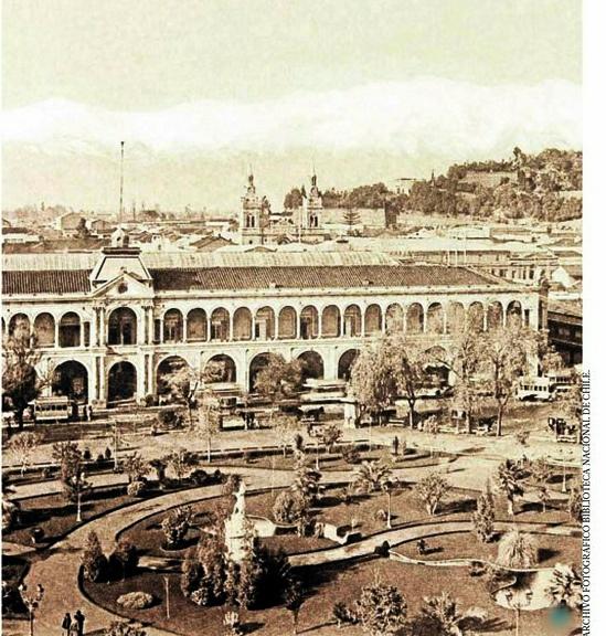 1900   Costado oriente de la Plaza de Armas de Santiago de Chile by santiagonostalgico, via Flickr