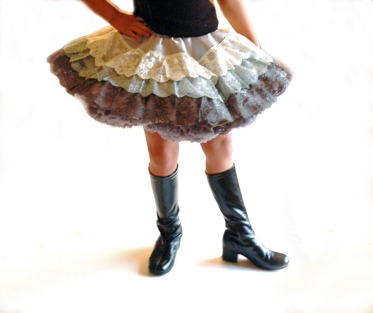 PATTERN and TUTORIAL Sasha's Lace Twirl Skirt by DreamSpunKids, via Etsy.