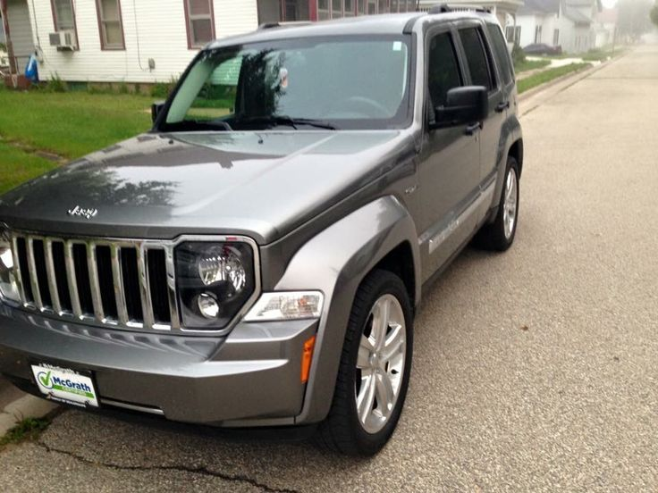 """2012 Jeep Liberty """"Jet"""" edition.  Factory with 20's"""