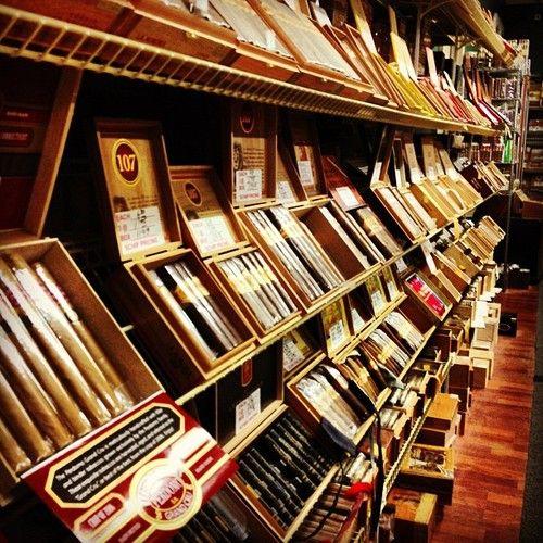 Wall of cigars #cigars #luxury #goodlife Tolle Geschenke mit Zigarren gibt es bei http://www.dona-glassy.de/Geschenke-mit-Zigarre:::64.html