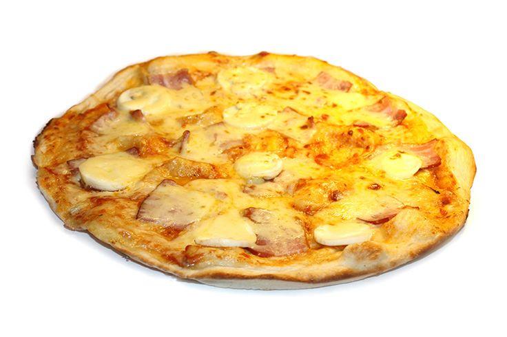 Пицца карбонара с беконом и яйцом
