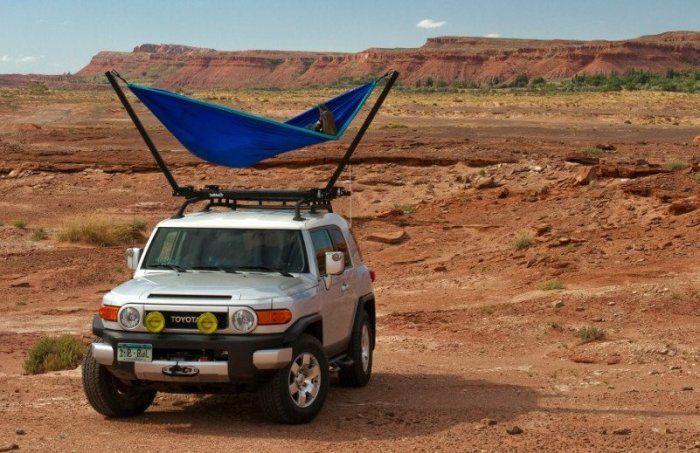 Автомобили:  TrailNest — складной гамак на крыше автомобиля для незабываемых путешествий http://kleinburd.ru/news/avtomobili-trailnest-skladnoj-gamak-na-kryshe-avtomobilya-dlya-nezabyvaemyx-puteshestvij/