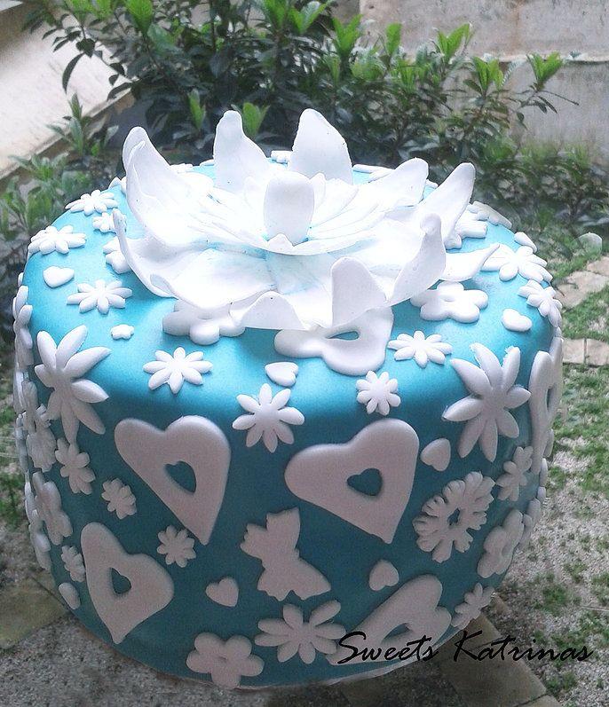Tiffany blue cake.