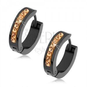 Lesklé oceľové náušnice čiernej farby, vertikálny pásik tvorený ligotavými kamienkami v zlatom odtieni.