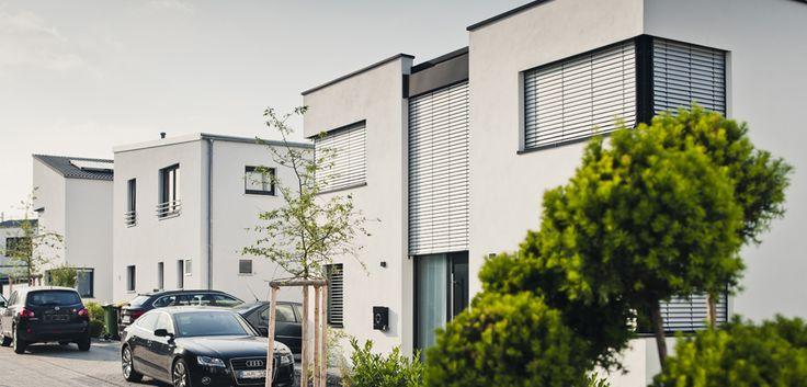 Verschiedene Häuser im modernen Stil - individuell geplant und im Erlebnis vor Ort aus einem Guss. © C. Pforr