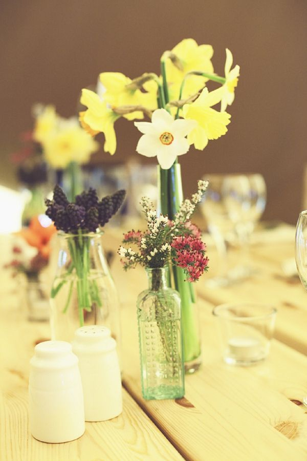 daffodils wedding bottles, image by http://www.onloveandphotography.com/